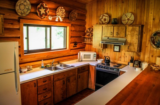 Hardie House Kitchen | Lodging in Dubois Wyoming | CM Ranch